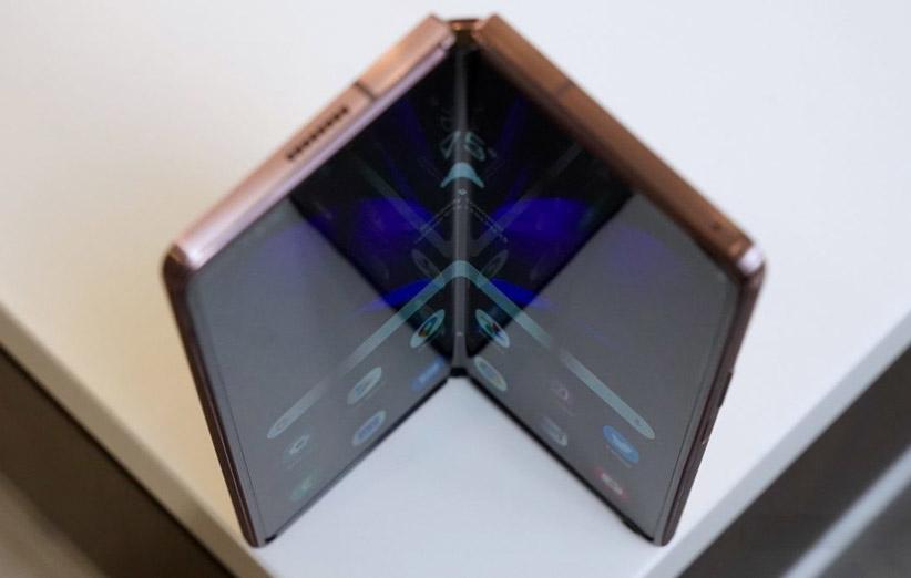 طبق بررسی ها گفته شده است که این سه مدل گوشی شیائومی که یکی از آن ها به سمت بیرون تا می شود