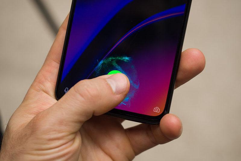 گوشی  شیائومی می 10 دارای حسگر اثر انگشت اپتیکال زیر صفحه نمایش