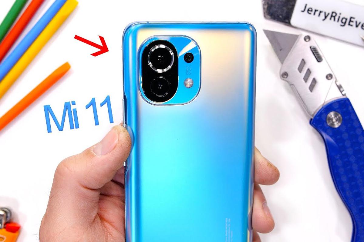 نتیجه تست مقاومت گوشی شیائومی می 11 نشان می دهد که xiaomi mi 11 دارای دوام و مقاومت بسیار خوبی می باشد برای اطلاع از جزئیات تست خراش و خم شدن و....