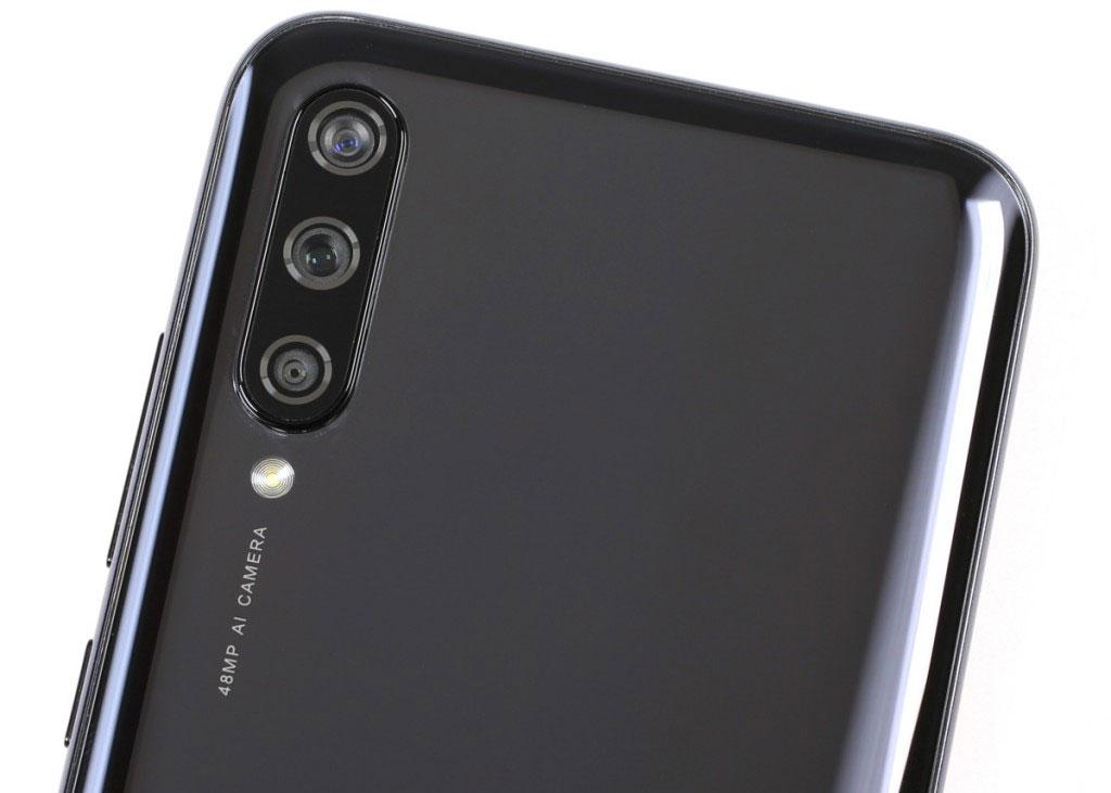 شیائومی می ای 3 مانند سایر گوشی های هوشمند دارای سیستم دوربین چندگانه است دوربین 48+8+2 مگاپیکسلی